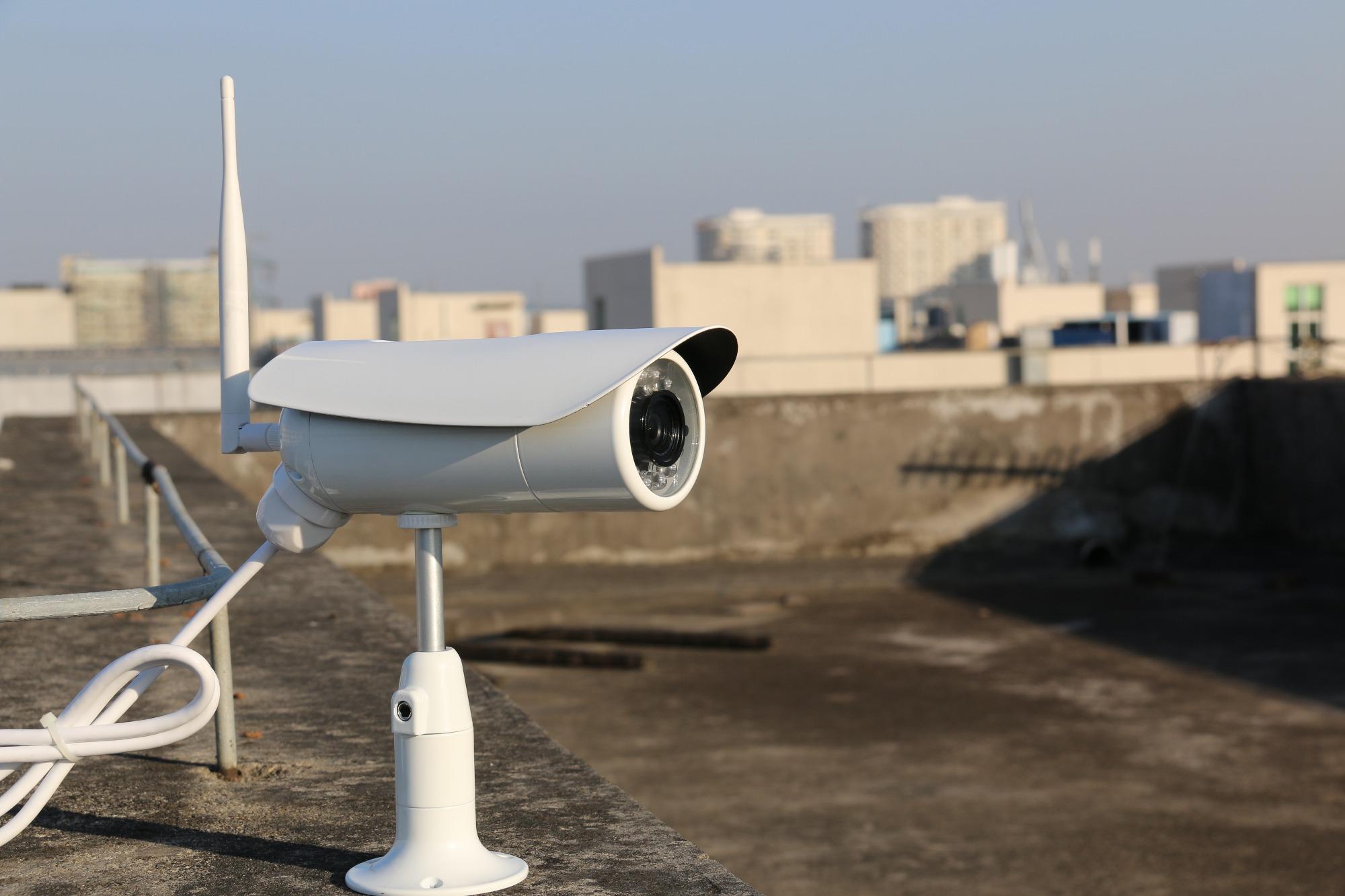 camera de surveillance wifi sur toit chantier